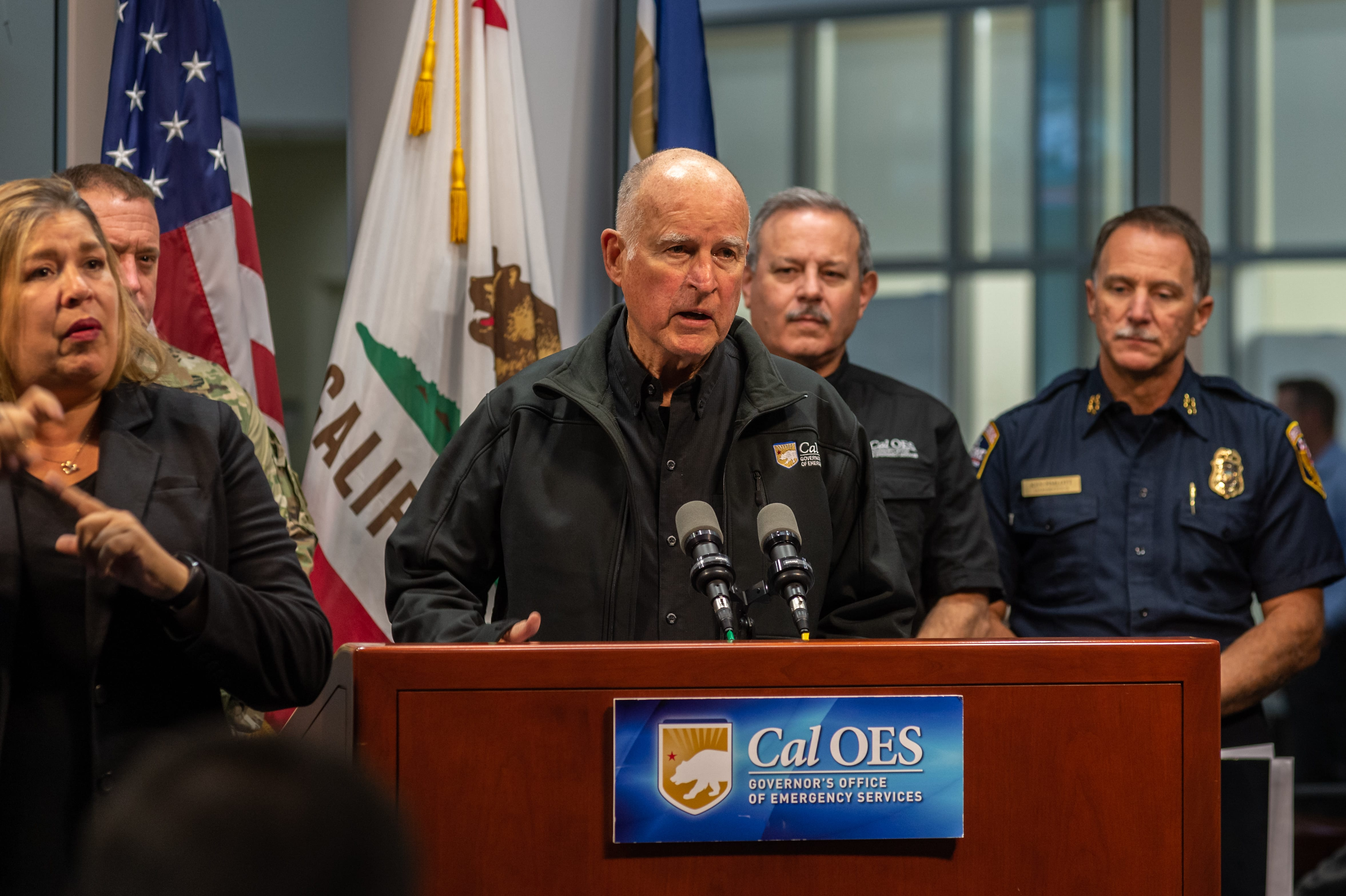 All Press Releases Governor Edmund G Brown Jr Davey Fisher Trainer At Circuit Works In Santa Monica Ca Requests Presidential Major Disaster Declaration Will Join Emergency Officials To Provide Wildfire Update